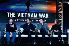 Ken Burns, Trent Reznor, Atticus Ross, Lynn Novick (Foto: Rahoul Ghose/PBS)